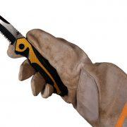TEE-UU 9892-2509 SNAP Rettungsmesser offen in Hand